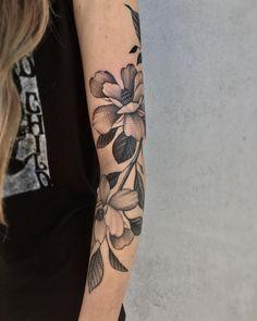 "3,726 Likes, 16 Comments - Justin Ryan Olivier (@justinoliviertattoo) on Instagram: ""Magnolias for Ashton. #neworleanstattoo #tttism #tattoos #tattoo #magnoliatattoo #floraltattoo…"""
