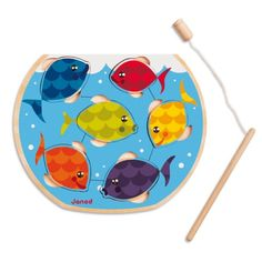 Speedy Fish propose à l'enfant de réaliser ce puzzle en posant les 6 poissons dans le bocal. L'enfant utilise ensuite la canne à pêche aimantée pour les attraper, avant de les remettre de nouveau dans l'eau. 2 activités en 1 pour développer la dextérité des enfants.