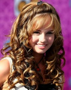 Awesome Long Curly Hairstyles for Women hair styles for girls with curly hair - Hair Style Girl Long Curly Haircuts, Teenage Hairstyles, Haircuts For Curly Hair, Hairstyles For Round Faces, Easy Hairstyles, Girl Hairstyles, Stylish Hairstyles, Children Hairstyles, Haircut Long