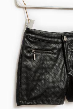 Shorts ricami geometrici e tasche con zip | OVS
