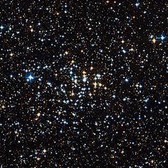 Cúmulo NGC 2360 (OCL 589). Es un cúmulo abierto en Canis Major. Descubierto por Caroline Herschel el 26 de febrero de 1783.