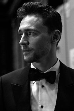 Tom Hiddleston at the 69th British Academy Film Awards Backstage - 8th February, 2015. Full size image: http://tomhiddleston.us/gallery/albums/userpics/10001/2319.jpg Source: http://tomhiddleston.us/gallery/displayimage.php?album=395&pid=5538#top_display_media