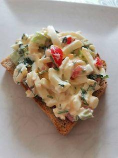 Zöldséges tojáskrém Pasta Salad, Baked Potato, Potatoes, Eggs, Baking, Ethnic Recipes, Food, Crab Pasta Salad, Potato