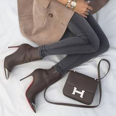 Gucci trench coat, Louboutin booties and Hermes bag for chic fall style. #louboutins
