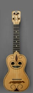 Model: Simple ornamented, Ray Hole | Head with tuning pegs | Soundboard: Linden | Fretboard: Rosewood