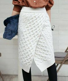 34 ideas for crochet skirt outfit cable knit Crochet Skirt Outfit, Knit Skirt, Knit Dress, Crochet Skirts, Midi Skirt, Knitwear Fashion, Knit Fashion, Vogue Knitting, Hand Knitting