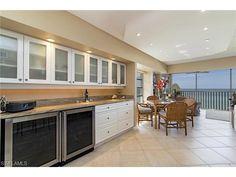 2875 N Gulf Shore, Naples, FL 34103 | Beachside condo in the Breakers | Moorings