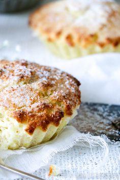 Kokos-citroen taartjes Pie Cake, No Bake Cake, Citroen Cake, Cake Recipes, Dessert Recipes, Cake Cookies, Cupcakes, Mini Cakes, High Tea