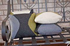 Ravelry: Hourglass Pillows pattern by Daniela Nii
