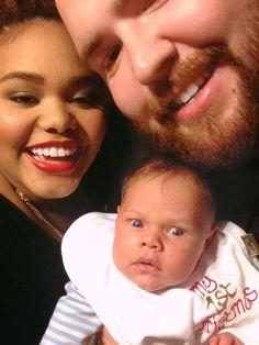 up-ir: soooo cute and the look on the baby's... - Romance   tipo-bwwm