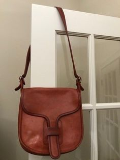 29342cfaa8 Vintage Coach Brown Leather Crossbody Saddle Bag Handbag Purse