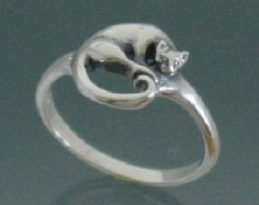 Cat Ring,  Medallion Style ~ Size 3 to 7 1/2
