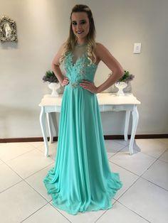 Vestido de festa para madrinha, formanda ou mãe da noiva em vários tons de verde