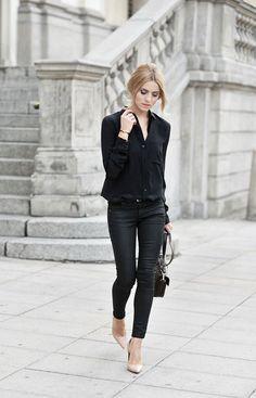 Look all black, todo preto, calça, blusa, sapato nude, scarpin nude