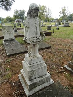 Cemetery in Sylacauga, Alabama. Monument by Italian sculptor, Cesare Pillade Falconi who moved here in 1910.