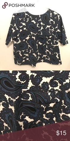 Paisley Topshop blouse, size 6 This is the comfiest and cutest shirt. I've only worn it once. My chest is a bit too big for this style. It's in fantastic condition. Topshop Tops Blouses