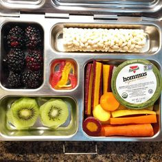 Monday's @planetbox lunch for my daughter is organic hummus and carrots, kiwi, blackberries, a rice roller, and @yumearth gummy worms for a treat. Happy packing! #lunch #bento #bentobox #organic #organicfood #healthy #healthyfood #healthykids #healthylife #healthyeating #Healthyfamily #instafood #instagood #eatyourveggies #eattherainbow #cleaneats #cleaneating #healthychoices #picoftheday #foodprep #foodie #eeeeeats #feedfeed #yum #healthymeals #schoollunch #momlife #planetbox…
