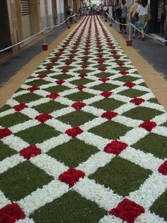 Easter Holidays.  Natural Flower Carpets in Sitges (Catalonia) / Festes del Corpus 10 juny 2012 Sitges