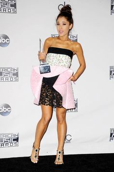 Ariana Grande – 2015 American Music Awards in Los Angeles Ariana Grande 2015, Ariana Grande Outfits, Selena Gomez, Kendall, American Music Awards 2015, Dangerous Woman, Red Carpet, Strapless Dress, Singer