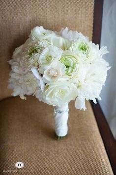 Check out this subtle and pretty #bridal #bouquet!  We love the mix of pale pinks, greens and cream tones.  Photography by #hamiltonphoto in #annapolis , MD.