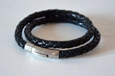 Armbänder - Lederarmband für Männer, geflochten in schwarz - ein Designerstück von titalia-design bei DaWanda