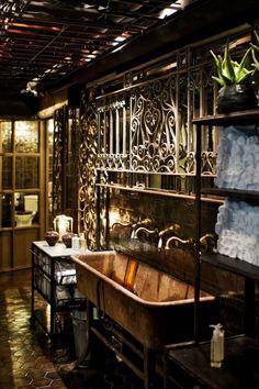 Nosh and Chow // Stockholm -- a fab restaurant bathroom!!