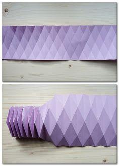 Origami Seahorses by orimin. on Origami kan de Origami Ball, Origami Yoda, Origami Star Box, Origami Paper Art, Origami Folding, Useful Origami, Paper Folding, Diy Paper, Paper Crafts