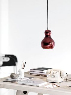 Lámpara roja  #Iluminación  #Lighting