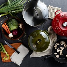 Grab some fresh veggies and shiny new cookware. It's time to play chef!