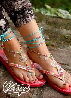 Barfuss Sandalen. Blauer Hippie Schuhe. Silber von VascoDesign
