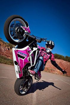 K Signs World Renowned Motorcycle Stunt Riding Artist Leah Petersen