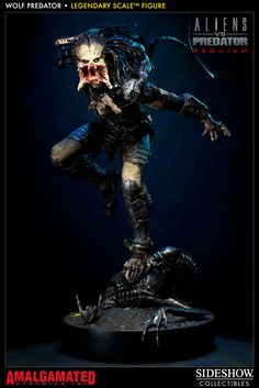 Wolf Predator - Legendary Scale(TM) Figure | Slideshow Collectibles