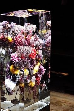 "Azuma Makoto's ""Iced Flowers"" at Dries Van Noten - The Japanese artist Azuma Makoto created floral ice sculptures for the spring/summer - The New York Times Art Floral, Deco Floral, Floral Design, Ice Sculptures, Sculpture Art, Resin Crafts, Resin Art, Photos Booth, Flower Installation"