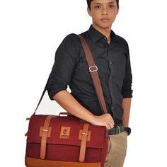 ESGOTADO FAIXO QUARTO MAROON Messenger Bag, Satchel, Bags, Fashion, Bedroom, Handbags, Moda, Fashion Styles, Fashion Illustrations