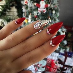 Red Nail Art for Valentines Day: Eclectic stories of Red, that's tastefully sophisticated - Hike n Dip Red Stiletto Nails, Red Acrylic Nails, Red Nail Art, Coffin Nails, Nail Art Rhinestones, Rhinestone Nails, Bling Nails, Fabulous Nails, Perfect Nails