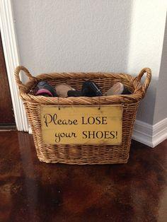 Ideia de cesto para sapatos para visitas...
