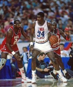 Moses Malone, Hakeem Olajuwon and Michael Jordan Hakeem Olajuwon, Basketball Legends, Sports Basketball, Basketball Players, Michael Jordan, Jordan 23, Nba Dream Team, Mike Friends, All Stars