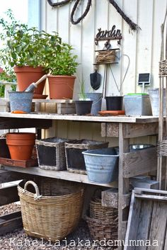 Kanelia ja kardemummaa Rustic Potting Benches, Garden Inspiration, Garden Ideas, Dream Garden, Home And Garden, Greenhouse Interiors, Art Village, Backyard Projects, Greenhouses