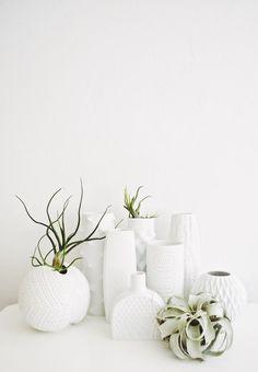 Milieu du siècle en porcelaine blanche mat par GlitteryMoonVintage