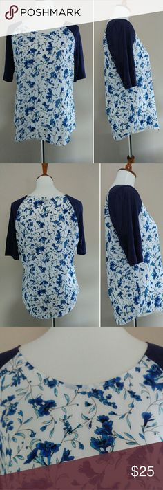 French Connection SZ M Floral Navy Raglan Top French Connection women's size medium navy blue and white floral top. Top has elbow sleeves, a prety floral pattern and a round hem. Top is in excellent pre-owned condition with no flaws - like new. Fast shipping - same or next day. Thanks!  Measurements  Armpit to armpit: 19.5 inches Length: 25 inches French Connection Tops