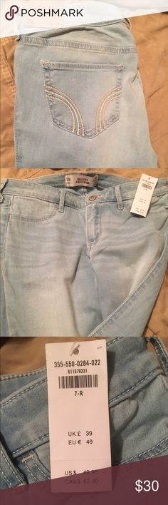 BNWT Hollister jeggings 7r I ordered these online and didn't know I already had a pair just like them. I've never even tried them on. I paid over $50 with taxes and shipping. Hollister Jeans Skinny