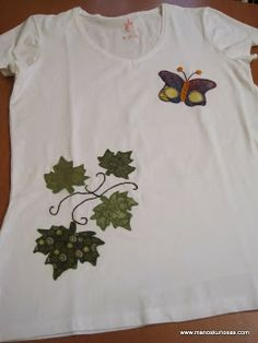 Camisetas patchwork de manoskuriosas.com Patches, Crafts, Handmade Crafts, Tela, Drawings, Templates, Ideas, Shirts, Blouses