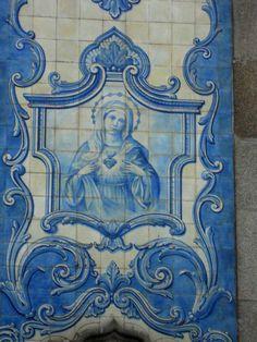 Azulejos_da_Igreja_de_Carvalhido_-_Maria. Portugal