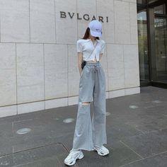 Korean Outfit Street Styles, Korean Casual Outfits, Cute Casual Outfits, Simple Outfits, Pretty Outfits, Stylish Outfits, Korean Style, Korean Girl Fashion, Korean Fashion Trends