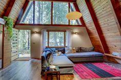 Rhododendren, OR interior living room