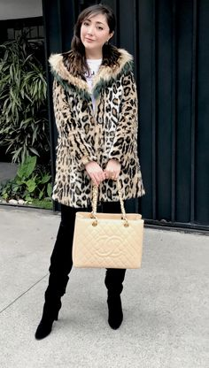 Faux fur + CHANEL BAG ! Animal print Winter