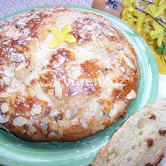 Vypečený velikonoční mazanec recept - Vareni.cz Rum, Camembert Cheese, Breakfast, Food, Morning Coffee, Essen, Meals, Rome, Yemek