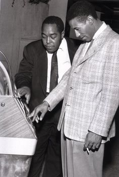 Bird and Max Roach at the jukebox