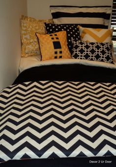 Michigan Navy and Yellow Dorm Bedding Set