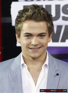 Hunter Hayes CMT Music Awards 6/5/13..shit would you stop killing me